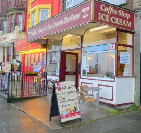 Lewis's Cafe